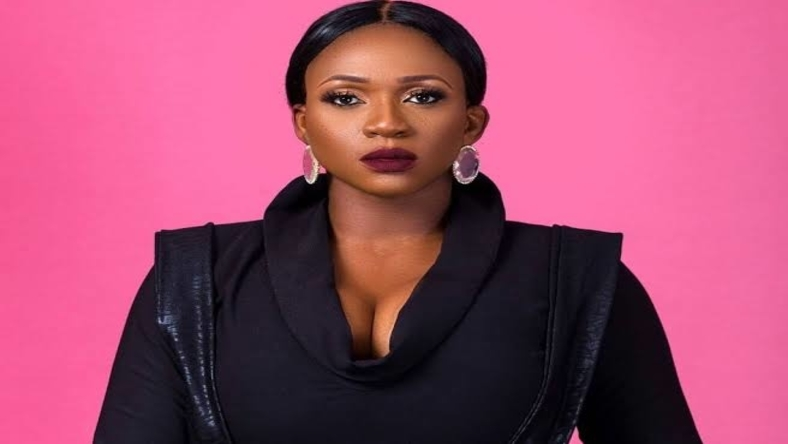Man In His 20s Tried Shooting Shots At Singer Waje, See What Happened.