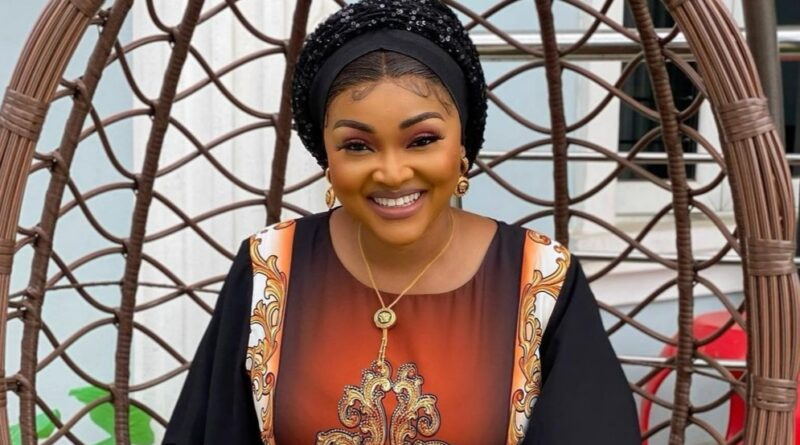 Actress Mercy Aigbe cries out